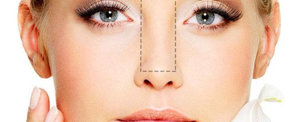 Usa nuestros productos de farmacia para la limpieza piel mixta y grasa