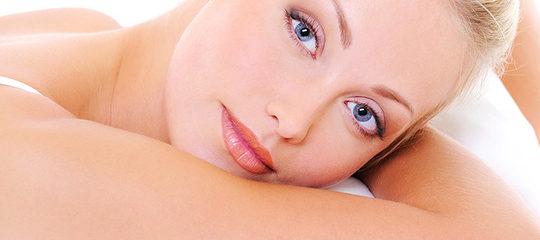 Usa productos de nuestra farmacia para limpiar tu piel normal o seca